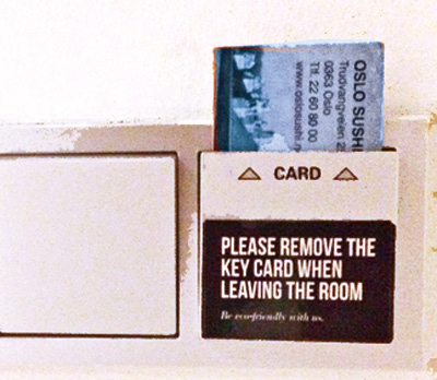 Hotelltricks: Slik får du strøm på rommet mens du og